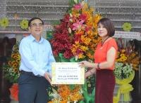 Thăm và tặng quà tại Trung tâm phục hồi chức năng và trợ giúp trẻ em khuyết tật